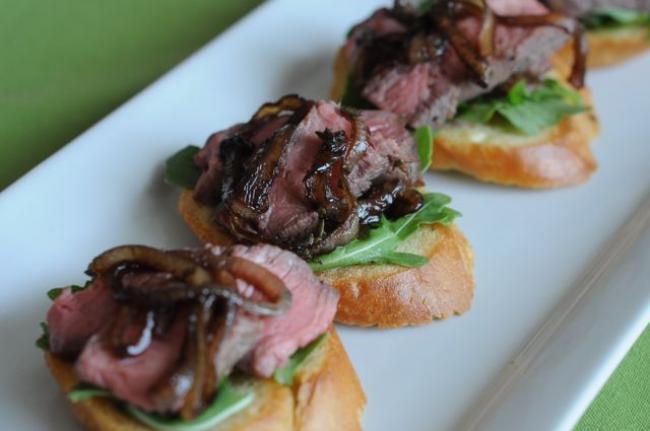 Steak and Arugula Crostini